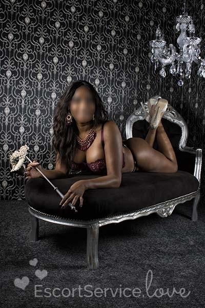 Naomi sexy donkere escort dame